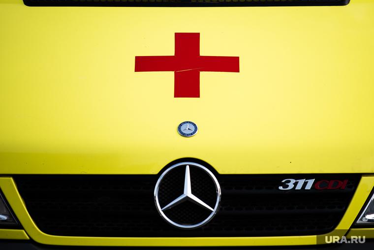 Главврач тюменской областной больницы избавляется от дорогого коттеджа. Ему прочат отставку. ФОТО