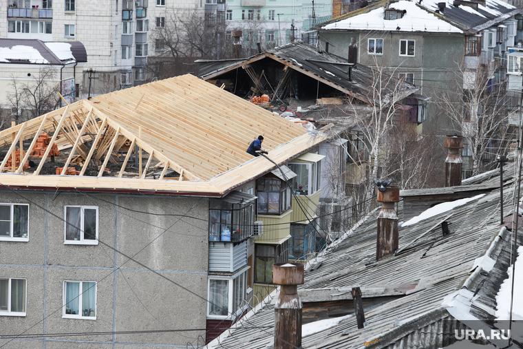 заливает квартиру с крыши