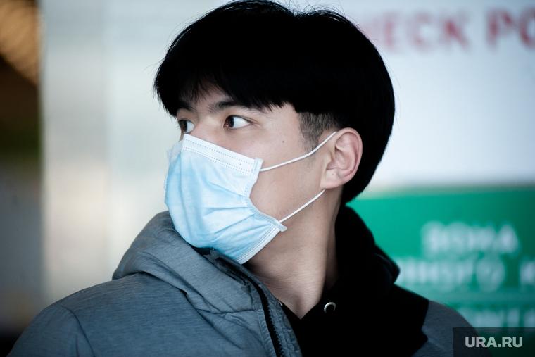 Врач объяснил, как в маске можно заразиться коронавирусом. Топ главных  ошибок