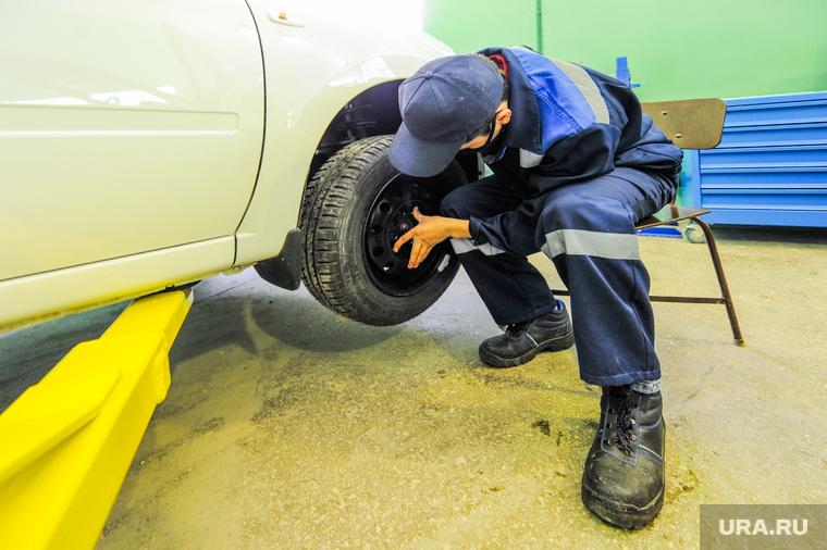 В РФ хотят ужесточить правила ремонта машин. Пройти техосмотр придется даже после смены магнитолы