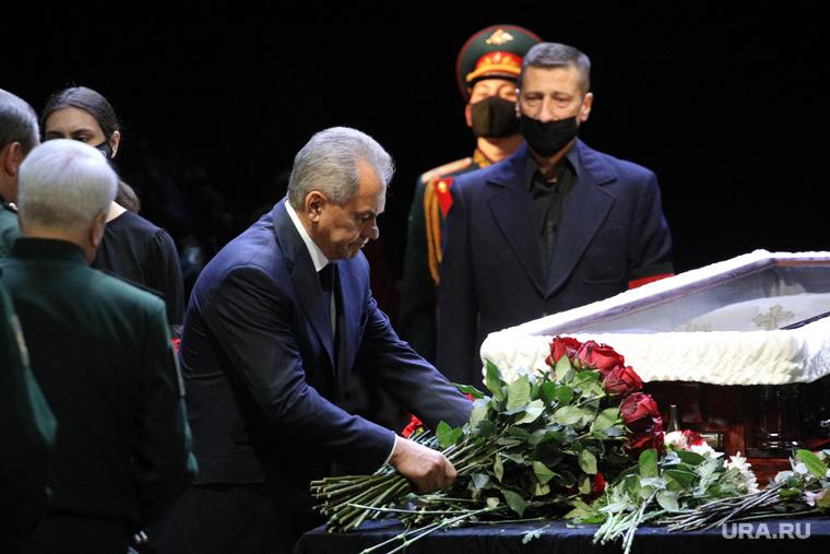 Прощание с Василием Лановым в театре Вахтангова. Москва