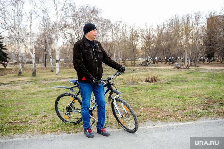 Наталья Котова на городском субботнике. Челябинск