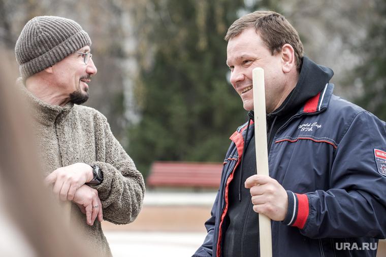 Алексей Орлов на субботнике в денропарке. Екатеринбург