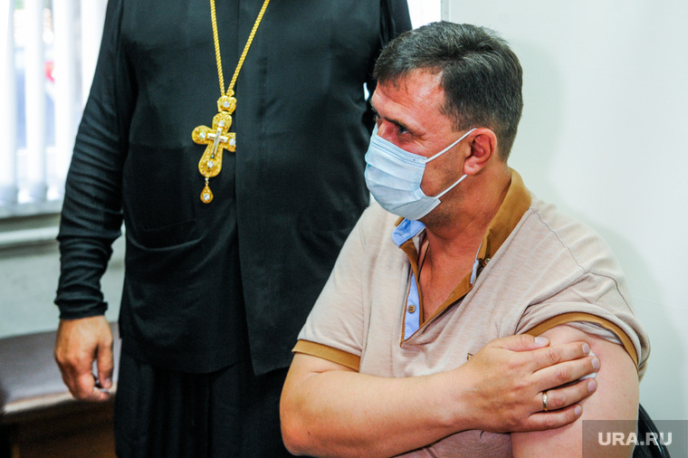 Вакцинация от коронавируса  в Свято-Васильевском храме. Челябинск