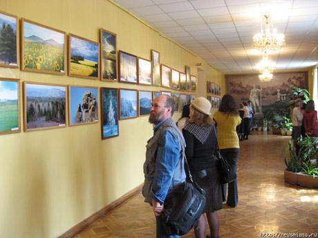 Челябинский министр организовал выставку своего творчества в Миассе: «Скоро я стану интеллигентным человеком!»