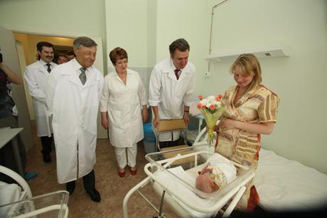 Сумин открыл новый роддом в Магнитке. К VIP-приезду на свет успели появиться четыре девочки