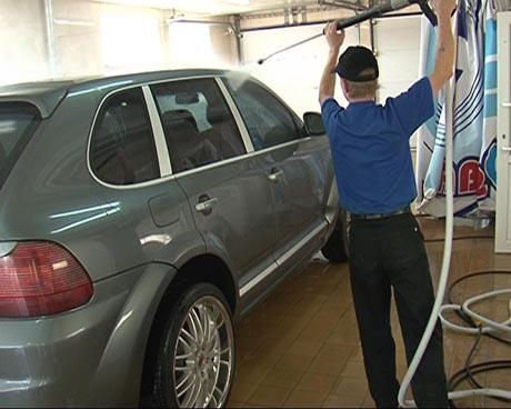В Екатеринбурге наконец-то появилась действительно хорошая автомойка. Там умеют обращаться с машинами и работают с любовью