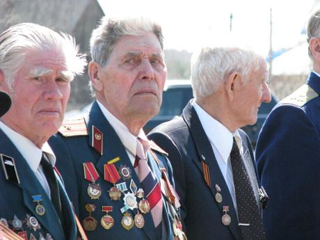 Богомолов побывал в институте ФСБ. Губернатор отдал дань традиции