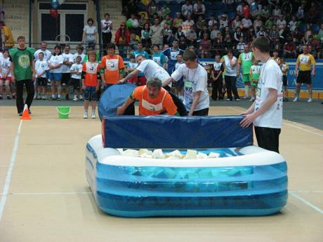Губернатор и высокопоставленные чиновники Зауралья собрались на грандиозное спортивное шоу