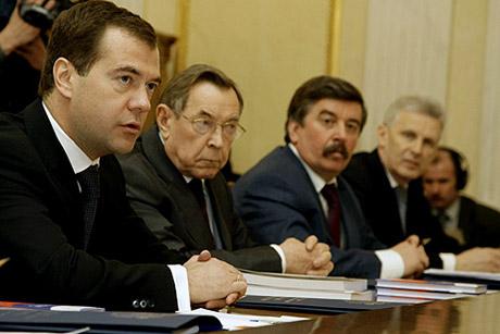 Сегодня Медведев хотел встретиться с Винниченко. Но полпред к президенту не поехал