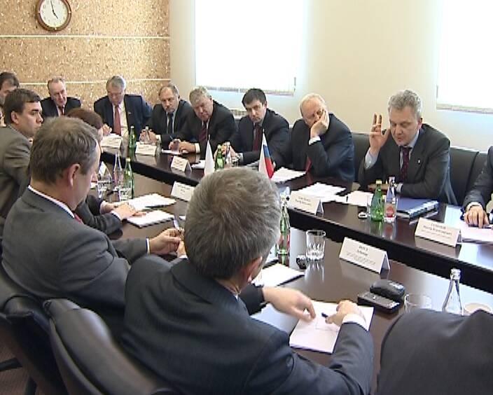Христенко успокоил иностранных партнеров УВЗ. Министр пообещал решить все проблемы предприятия