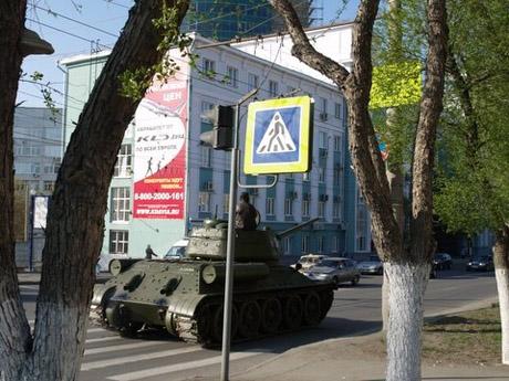 Челябинские гаишники «креативят» на пропаганде уважения водителей к пешеходам