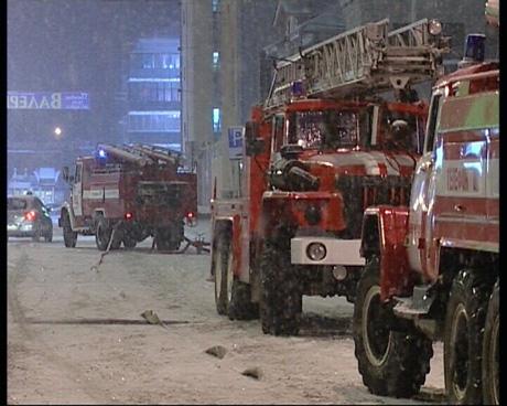 ЧП в здании Кировского РУВД Екатеринбурга. Милиционеров пришлось эвакуировать через окна