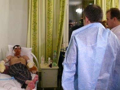 Чиркунов съездил в больницу к пострадавшим в результате пожара в «Хромой лошади»