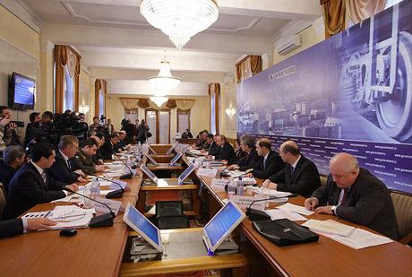 Сюрприз для Якунина: Путин заявил, что РЖД все-таки будет размещать заказы на УВЗ. ФОТОрепортаж с визита премьера в Нижний Тагил
