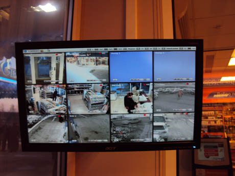 Вся территория  заправок находится под видеонаблюдением