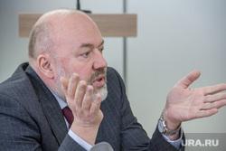 Павел Крашенинников встречается с журналистами «Магнитогорского рабочего». Магнитогорск, крашенинников павел, разводить руками