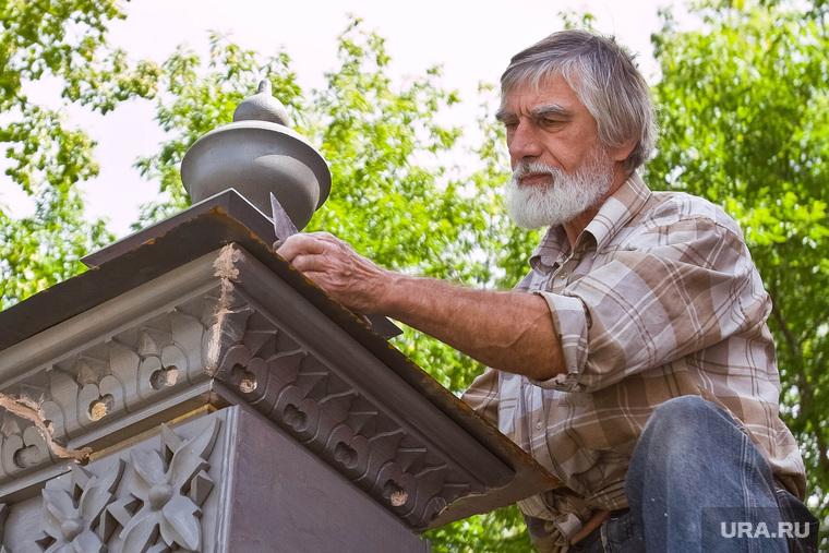 Почетный гражданин Тюмени, реставратор Вадим Шитов. Тюмень, реставратор, шитов вадим, резьба по дереву