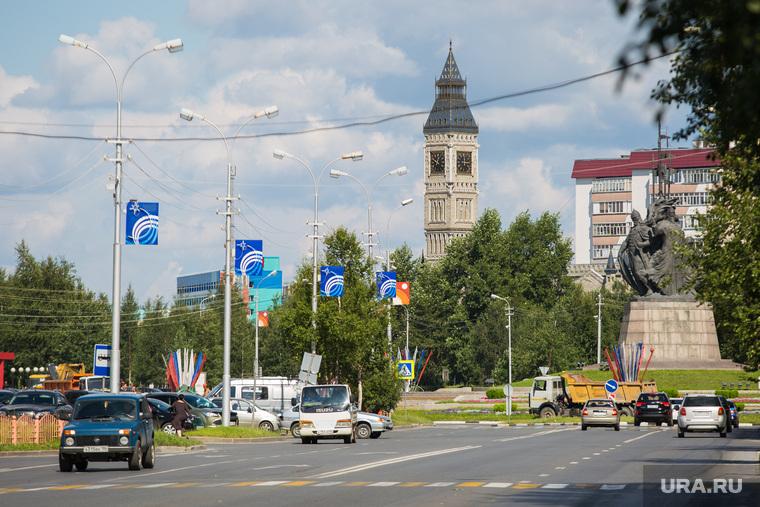 Улицы. Сургут, проспект ленина, биг бен, город сургут, памятник основателям