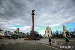 Улицы и окрестности Калининграда весной, храм христа спасителя, калининград, площадь победы, стелла победа в великой отечественной войне