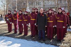 Глава города Вадим Шувалов. Сургут , глава сургута, шувалов на фоне ленина