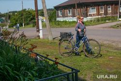 Спасо - Преображенский храм в селе Батурино, село батурино, девушка с велосипедом, селянка
