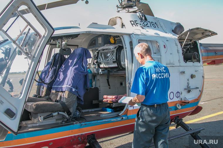 Городской аэропорт. Курган, вертолет мчс, центр медицины катастроф, санавиация