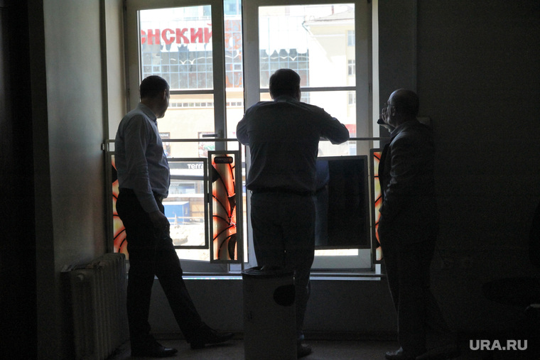 Курилки в местах власти. Екатеринбург