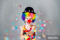 Праздник, праздничный торт, воздушные шары, клоун, праздник, подарок, радость, клоун, дети, радость, хлопушка