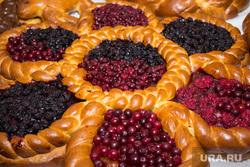 Продукты и товары. Ханты-Мансийск., выпечка, продукты, еда, ягоды