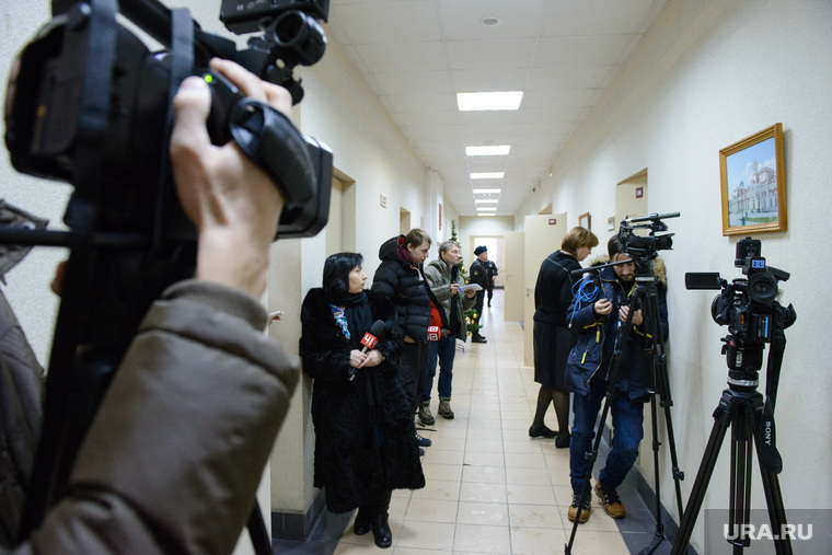 Дело врача-анестезиолога ДГКБ №9 Артёма Шабалина. Екатеринбург, пресса, сми, журналисты