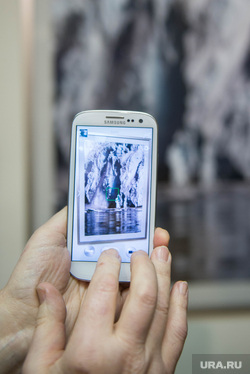 Открытие фотовыставки Вениамина Голубицкого в УрАГС. Екатеринбург, телефон, смартфон, гаджет, sumsung