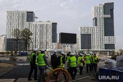 Строительство Екатеринбург-Арены, временная трибуна. Екатеринбург, недвижимость, жилые дома, жк крыловъ