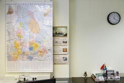 Интервью с Александром Ивановым, директором ДИП губернатора СО. Екатеринбург, карта свердловской области, стена офиса