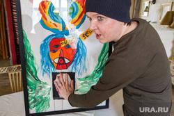 Маг-вуду Антон Симаков на презентации своих картин. Екатеринбург, симаков антон