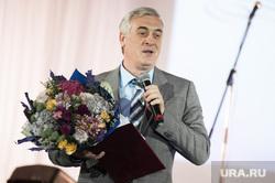 Празднование 105-летия Екатеринбургского театра оперы и балета. Екатеринбург, силин яков, цветы