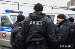 Алексей Навальный встретился с волонтерами своего штаба, выступил на митинге против Томинского ГОК и провел пресс-конференцию для журналистов. Челябинск, омон, силовики, полиция