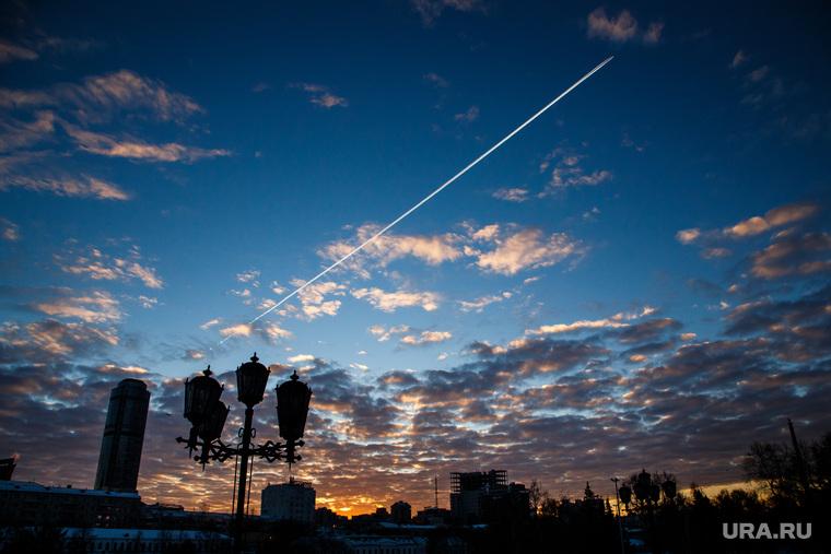 Утро в Екатеринбурге. Рассветное небо и метро, самолет, утро, рассвет екатеринбург, рассветное небо