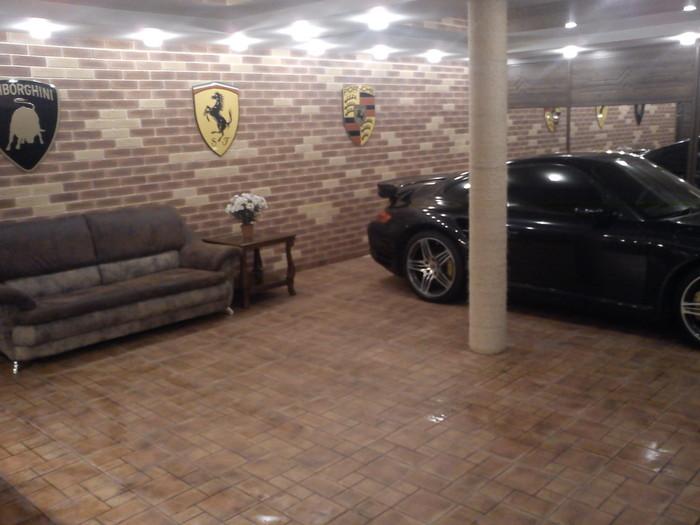 ae7f632395426 Некоторые из читателей просились у Жеки пожить в его гараже, обещая, ч то  машине мешать не будут.
