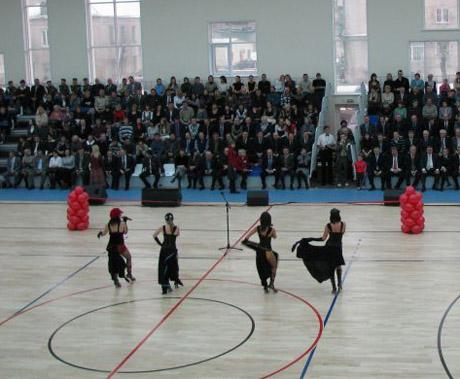 Спортивная пятница VIP Зауралья: в Кургане открыли новый ФОК. Губернатор был с супругой