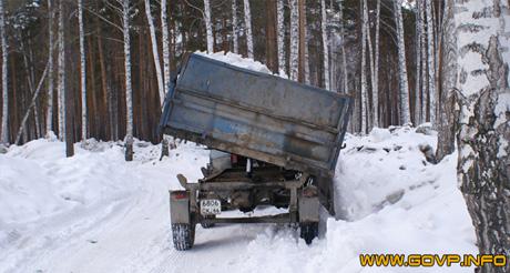 В вотчине Козицына грязный токсичный снег скидывают рядом с больницей. Местные журналисты решили провести свое расследование