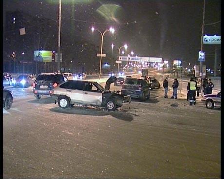 Екатеринбургский водитель разбил две машины и покалечил девушек, но после аварии сказал такое, что даже гаишники не удержались от смеха
