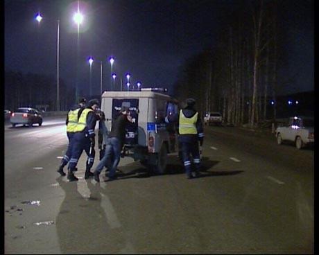 Двойное ДТП на Кольцовской трассе. Один из участников - милицейский «УАЗик»