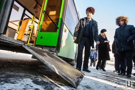 Депутатский рейд по автобусам Тюмень, автобус, пандусы для инвалидов, пандус