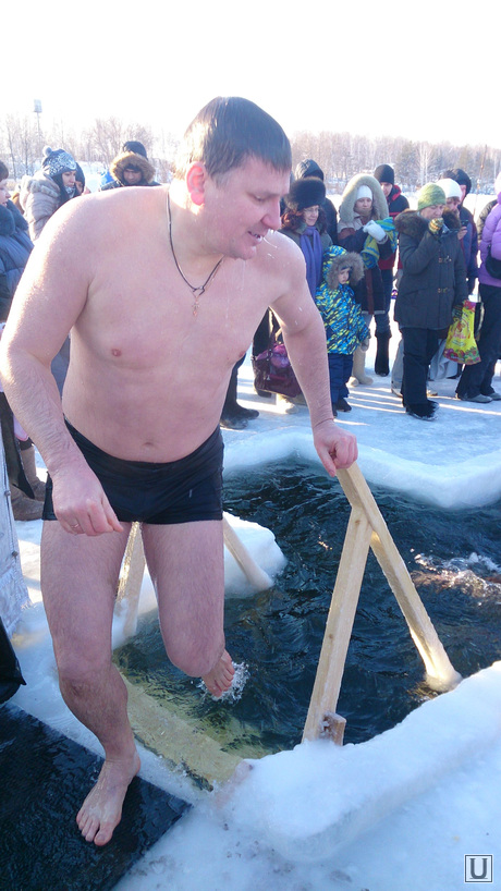 Крещение, прорубь на озере Сугояк, с. Харино, Красноармейский район, федечкин дмитрий