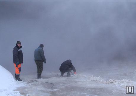 Потоп на Малышева Восточная, порыв трубы, коммунальная авария, пар