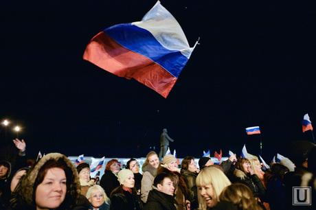 Крым. Референдум., митинг российский флаг