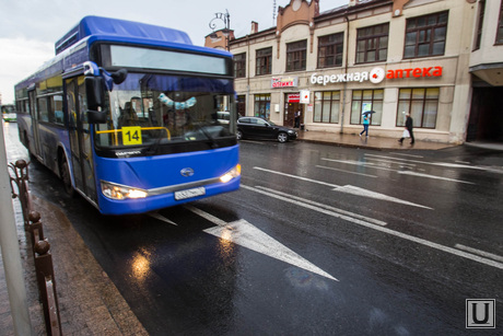 Выделенная полоса для автобусов. Тюмень, выделенная полоса