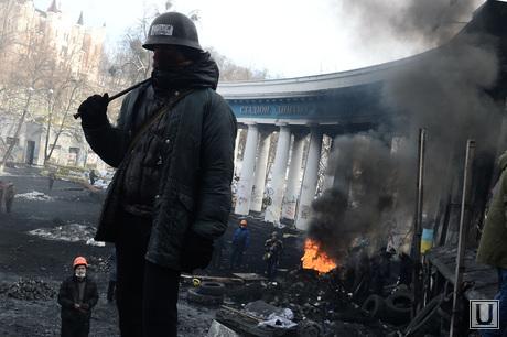 Евромайдан. Киев. Украина, беспорядки, майдан, боец