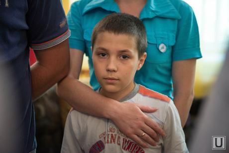 Виктор Шептий в лагере беженцев. Каменск-Уральский, беженцы, мальчик